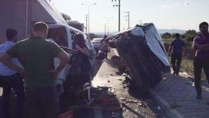 Söğütlü'de Trafik Kazası! 3 Yaralı