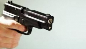 Annesini Kazara Silahla Vurdu