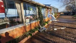Karasu'da Fırtına İş Yerlerini Yıkıp Geçti