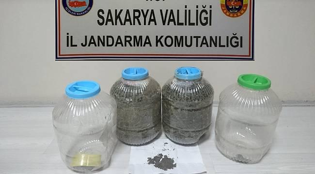 Uyuşturucuları Bidonlara Zulaladılar! 3 Gözaltı