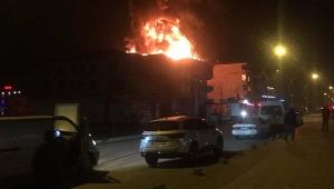 Karasu'da Apart Otel Alevlere Teslim Oldu