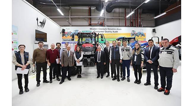 Vali Nayir Türk Traktör Fabrikasını Gezdi