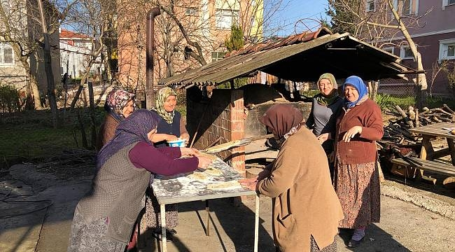 Kadınlar Kazandıkları Parayı Camiiye Bağışladı