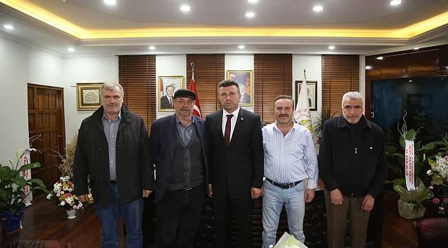 Başkan Özen'e Vatandaşlardan Tebrik Ziyareti