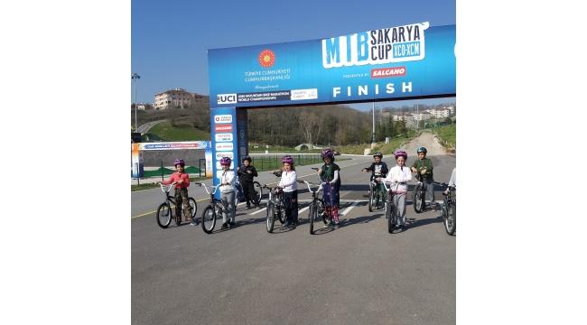 Minik öğrenciler Bisiklet Vadisi'nde güvenli sürüş eğitimi aldı